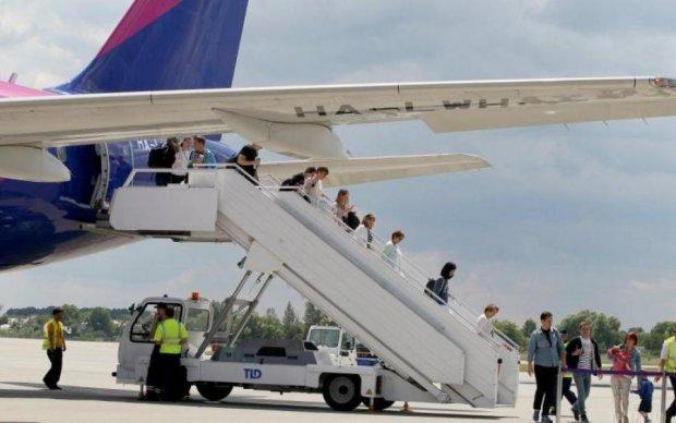 WizzAir пообіцяв нові рейси з України... і тут же зганьбився