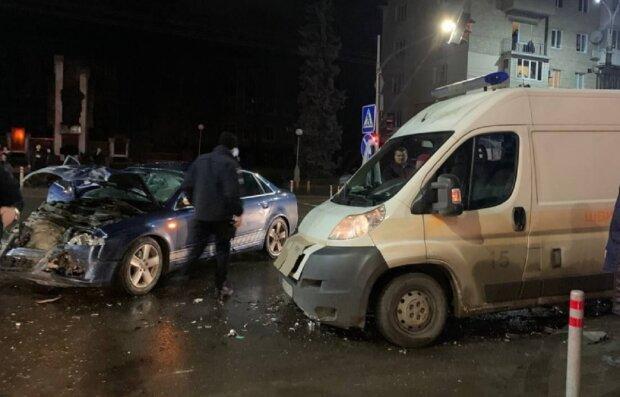 ДТП у Чернівцях, фото: molbuk.ua