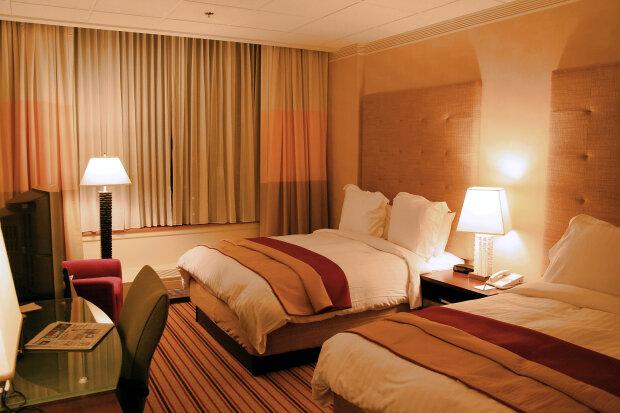 """Необычный отель готов принимать посетителей, первый в мире: """"Берем только с COVID-19"""""""