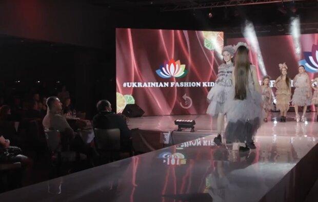 Юна франківчанка відкрила дитячий конкурс краси розкішним вокалом - друга Тіна Кароль, так ніжно