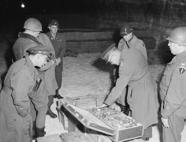 Золото Третьего Рейха, фото из свободных источников