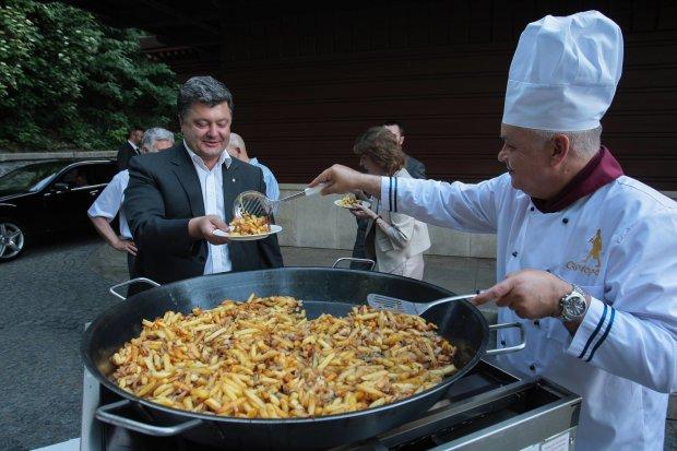 Киселев рассказал о дружбе с Порошенко: прислуживал ему и подносил тарелку