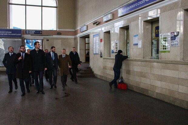 У Києві на вокзалі відкриють комфортний зал очікування: що там буде і хто зможе ним скористатися