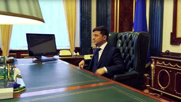 Зникла секретна інформація: у Зеленського показали, що залишив після себе Порошенко