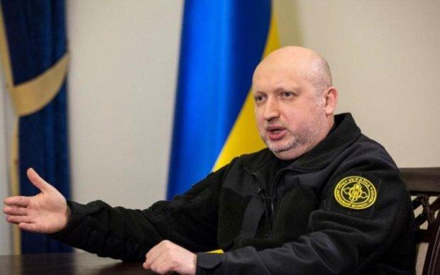 Турчинов собирается сажать украинцев за торговлю с Россией