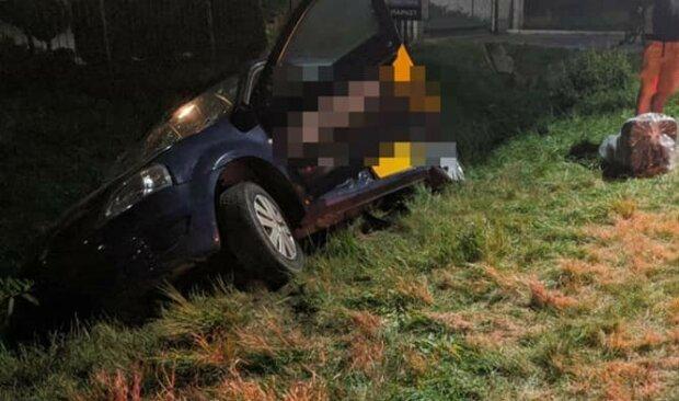 На Львівщині таксист Uklon під наркотиками влетів у п'яну Audi -кров і покришки по всій дорозі