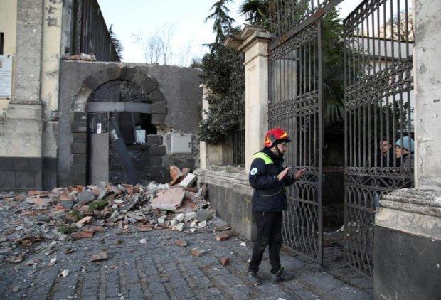 В Италии проснулся Этна и содрогнулась земля: число пострадавших постоянно растет