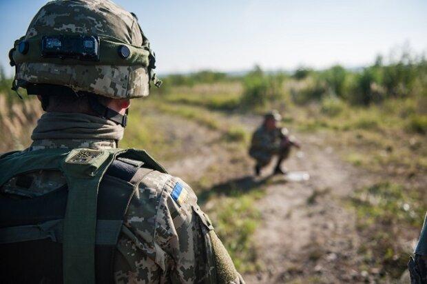 """Суд """"простил"""": в Запорожье вооруженные военные накачались наркотиками"""