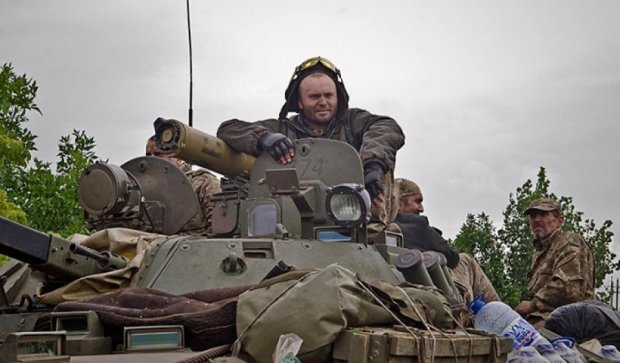 Бійці облаштовують нову лінію оборони у зоні АТО (фото)