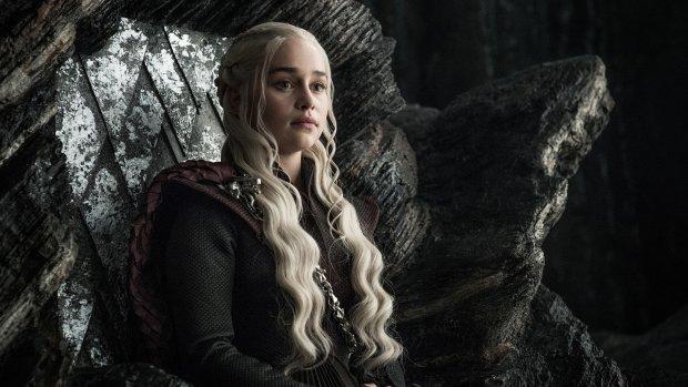 """Зірку """"Гри престолів"""" збив з ніг страшний недуг: лікар переляканий станом матері драконів"""