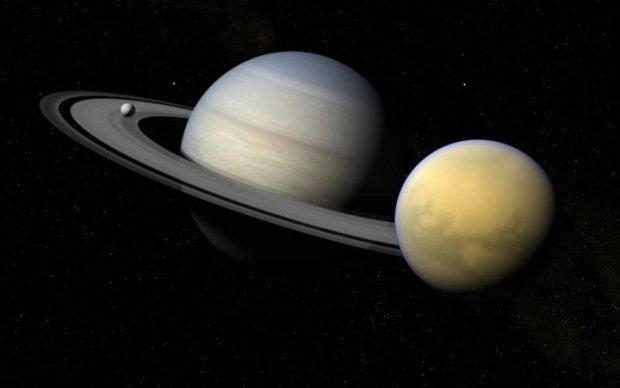 """У NASA розгледіли """"Землю"""" між кільцями Сатурна"""