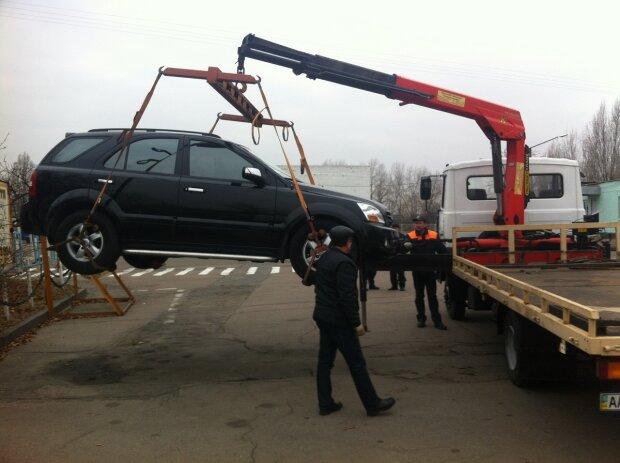 В Киеве бесследно исчезают машины: нужна всего одна минута