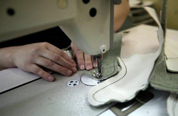 """От Gucci с Versace: под Одессой накрыли подпольную фабрику известных брендов, - """"клепали"""" пачками"""