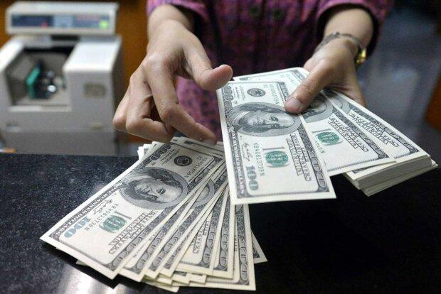 Кредит, доллары-фото мигранта мир