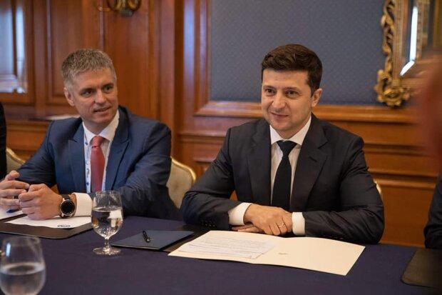 """Зеленський зустрівся з віце-президентом США: """"Не хочеться чекати 5 років"""", відео"""