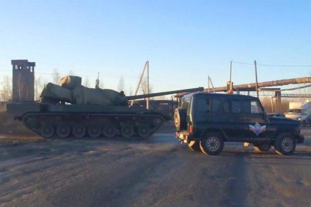 Новейший российский танк «Армата» дважды сломался на репетиции парада
