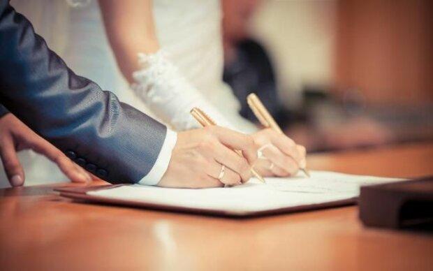 """Весільний бум в Україні досяг нереальних масштабів: скільки пар сказали """"так"""" під Марш Мендельсона"""