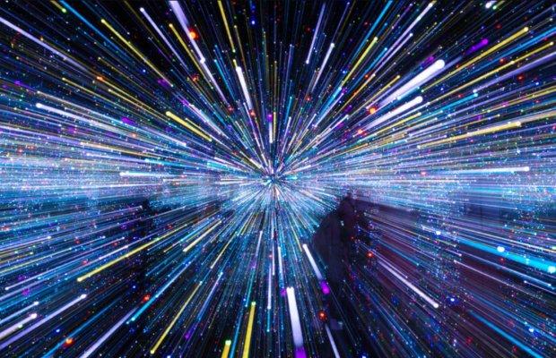 Швидкість світла показали у сповільненій зйомці: 10 трильйонів кадрів на секунду