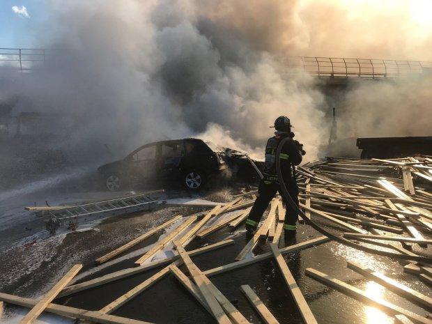 30 машин перетворили дорогу на смертельну пастку: палаючі трупи і благання про допомогу
