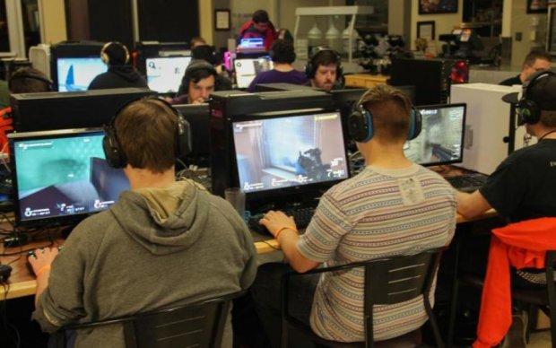 Молодой геймер дал мастер-класс опытным копам