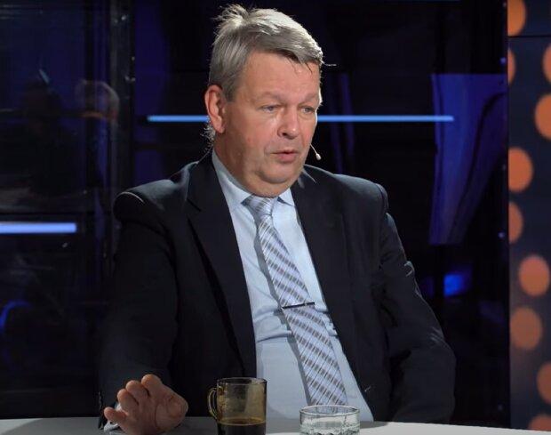 Михаил Стрельников