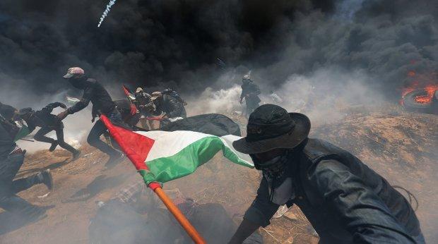 Израиль нанес мощный удар по сектору Газа: город окутан огнем