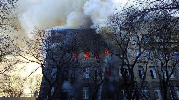 Пожар в одесском колледже: суд заставил фигуранта делать это только ночью, - украинцы озадачены
