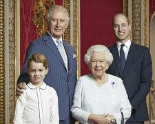 Королева Єлизавета із спадкоємцями престолу
