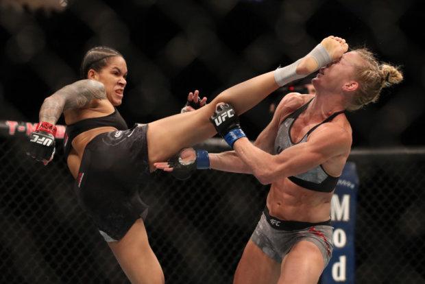 Аманда Нуньес нокаутировала Холли Холм в первом раунде
