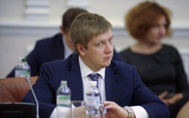 Прощавайте, злиденні: Коболєв спустив на відпочинок зарплату українця за 100 років