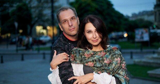 "Наталья Мосейчук с мужем, прессслужба канала ""1+1"