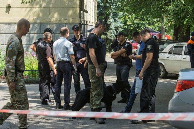 Термінова евакуація: у харківському суді виявили бойовий снаряд