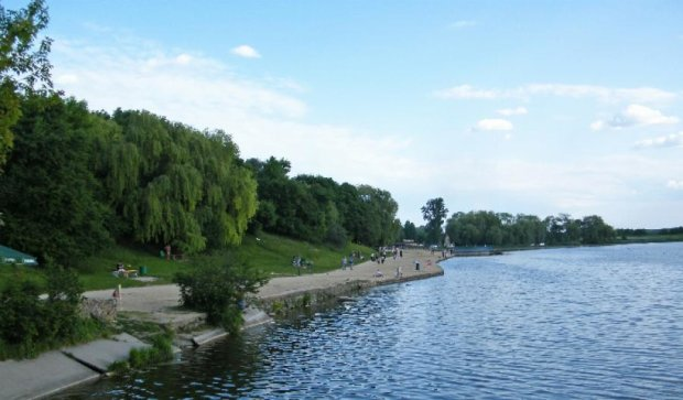 В Ровно на центральном озере погиб ирландец
