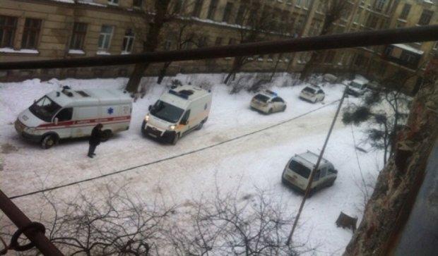 Возле львовского вокзала разорвалась граната