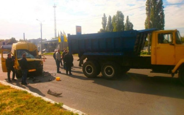 Смертельна ДТП на трасі Київ-Чоп: вантажівка вилетіла на зустрічну
