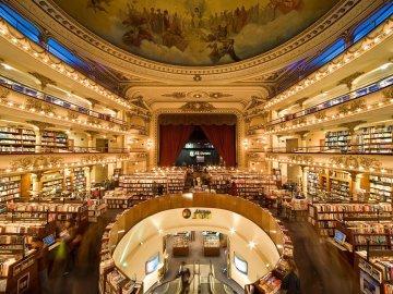 Експерти визначили найкрасивіший книжковий магазин в світі. Ним стала архітектурна перлина Буенос-Айреса. Від неї віє справжніми чарами