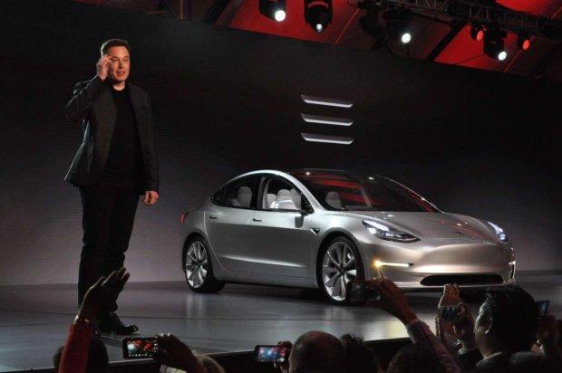 Илон Маск подарит водителям Tesla незабываемые ощущения