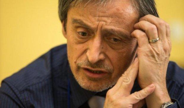 Россиянина подозревают в нападении на дом министра обороны Чехии