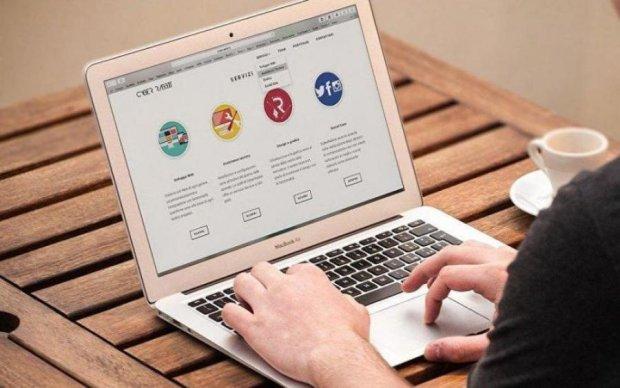 """Онлайн """"зрада"""": українці показали, чим займаються в інтернеті"""