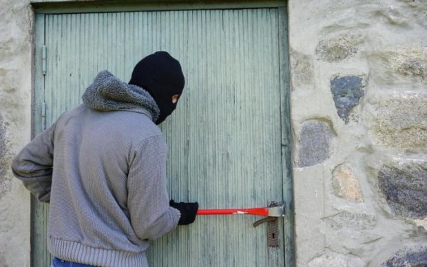 Проверяют все квартиры: банда домушников кошмарит киевлян