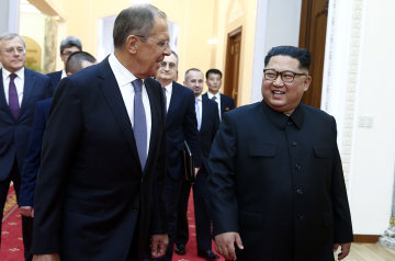 Кім Чен Ин приїхав до Путіна на власному бронепоїзді: відео зустрічі