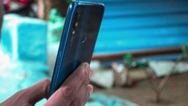 """Впервые в истории: Xiaomi выпустит экологический смартфон, """"никакого электричества"""""""