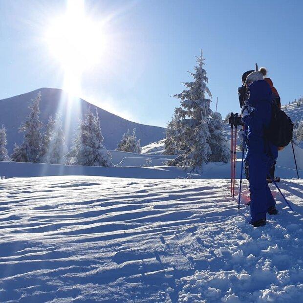 Мороз и солнце, день чудесный: в сети показали впечатляющие кадры из заснеженной Говерлы