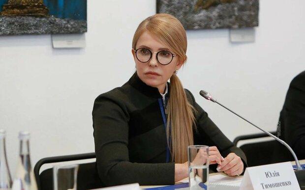 """Тимошенко вийшла до протестувальників проти мораторію на землю, подасть до суду: """"Залишимося без майбутнього"""""""