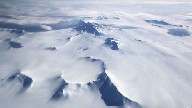Уфологи виявили в Антарктиді 70-метровий НЛО