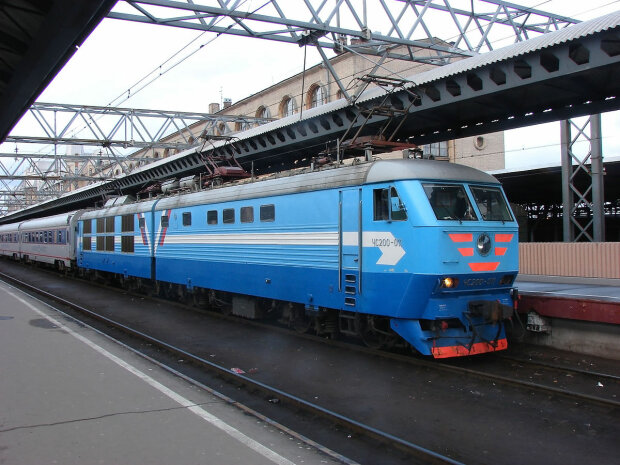 Некерований поїзд смерті перетворив маршрутку на купу металу: багато загиблих