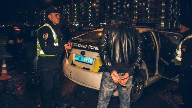 """У Києві водій таксі викрав Hyundai пасажира: захотілося """"мажорної тачки"""""""