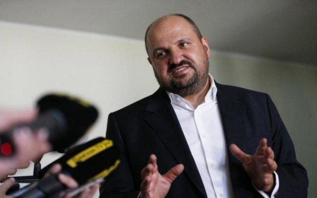 Равнее равных: подследственный депутат хотел слинять в Германию