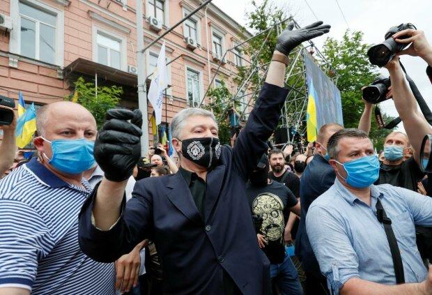 Порощенко біля суду, фото:Уніан
