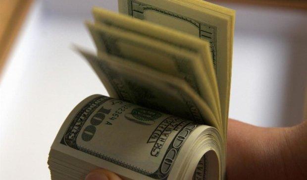 Курс долара може скакнути у січні, однак до кінця року буде стабільним – експерти